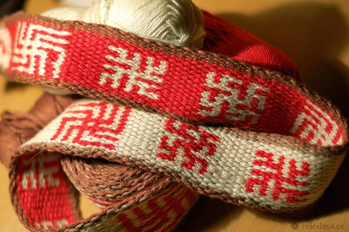 Double face se slovanskými symboly - 30 karetek | 4,5cm široký | 230 cm dlouhý | bavlna