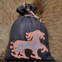 Wolin woolen viking bag